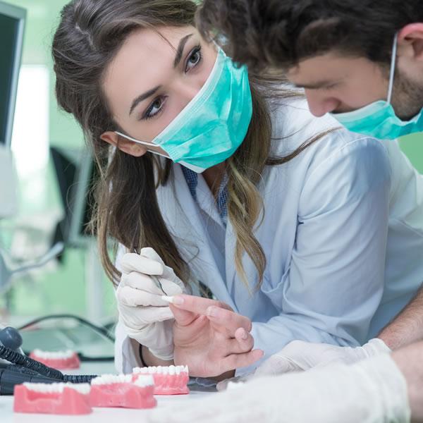 Carillas dentales en Clínica Noguerol